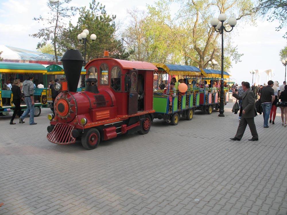 Детский прогулочный паровоз