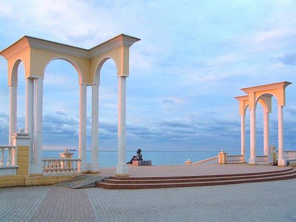 Ротонда у центрального пляжа