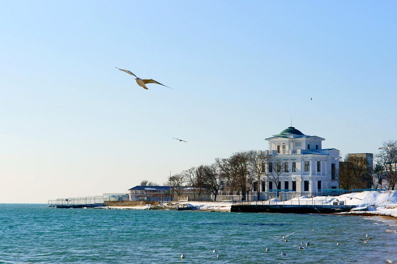 Зимний черноморский берег