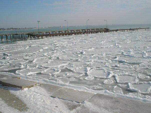 Зимнее море Евпатории