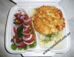 Куриная отбивная, картофель варенный, салат из помидор с ялтинским луком